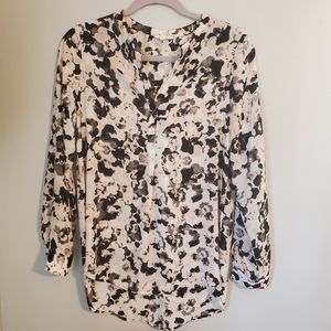 Pleione Floral Tab Sleeves Popover Blouse